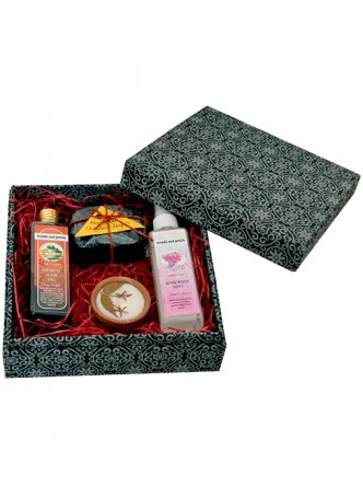 Woods and Petals Herbal Natural Gift Box